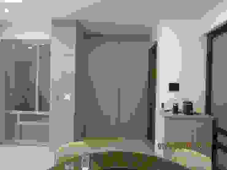 禾雅內-蔡公館 現代浴室設計點子、靈感&圖片 根據 伊梵空間規劃設計 現代風