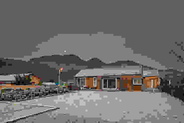 房子 by 건축사사무소 이인집단