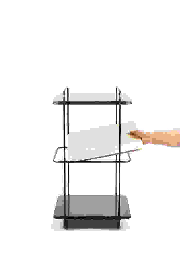 88MM - tafel: modern  door Basten Leijh Design Studio, Modern