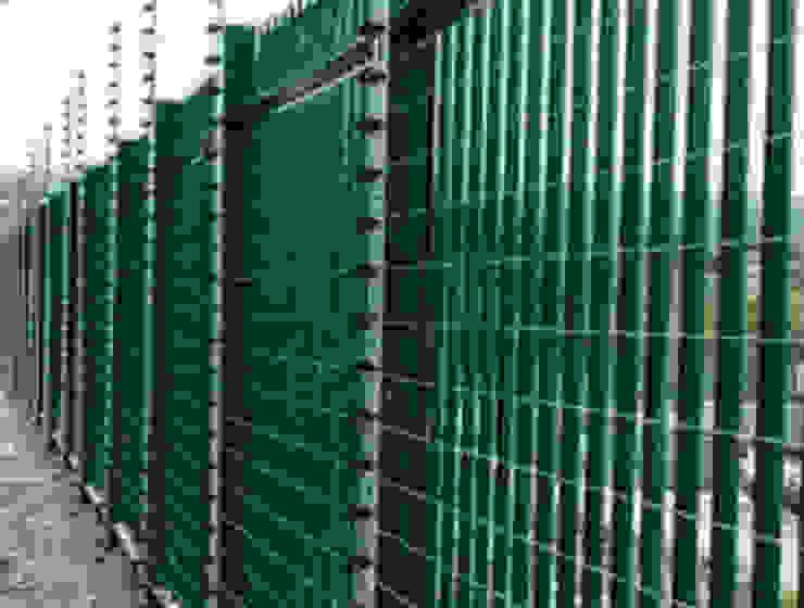 Boundary Gates Modern houses by Nozipho Construction Modern