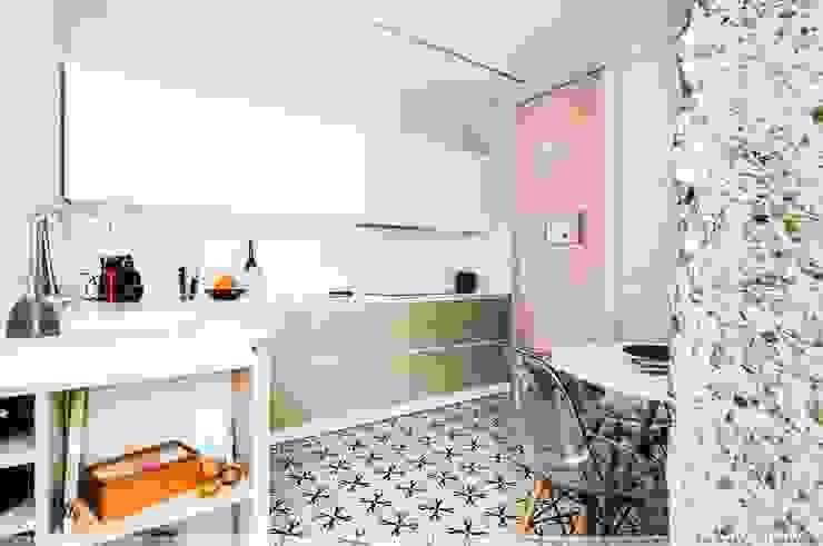 Cocinas integrales de estilo  por TALLER VERTICAL Arquitectura + Interiorismo, Moderno