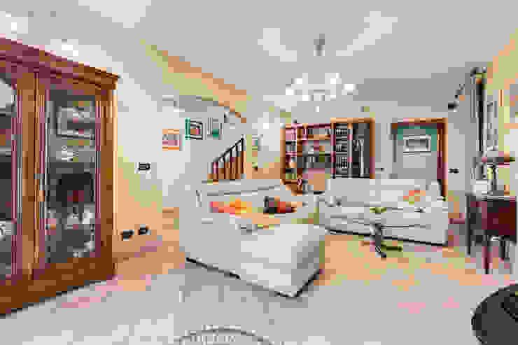 Ruang Keluarga Klasik Oleh Luca Tranquilli - Fotografo Klasik