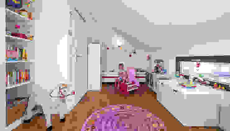 Спальни для девочек в . Автор – KitzlingerHaus GmbH & Co. KG,
