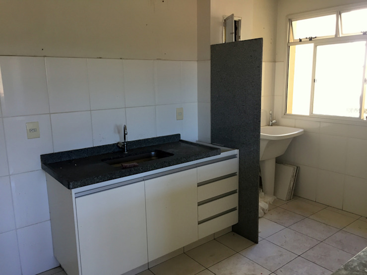 Kitchen by Letícia Saldanha Arquitetura