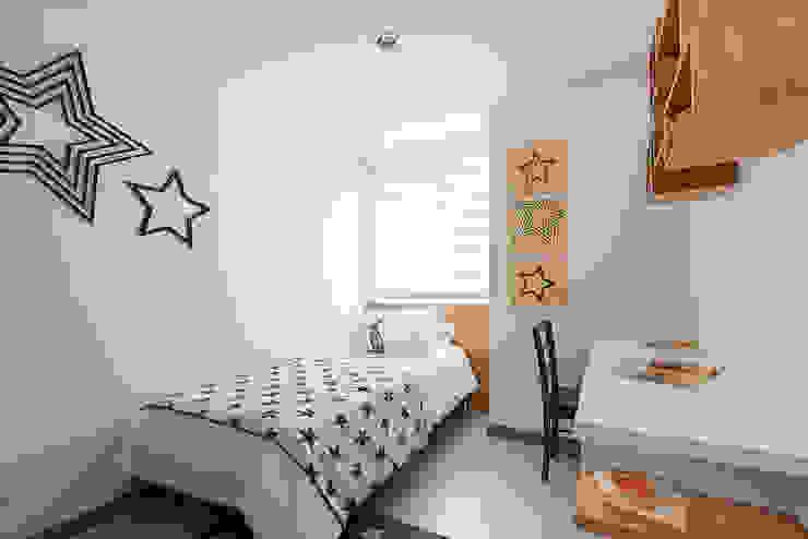 Habitacion Adolescente: Dormitorios de estilo  por Maria Mentira Studio