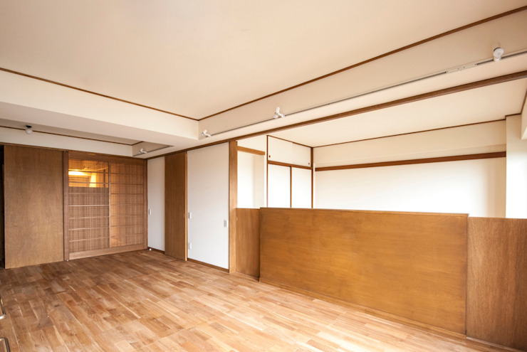 Modern living room by 千田建築設計 Modern Wood Wood effect