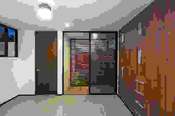 P11 ARQUITECTOS Modern style bedroom