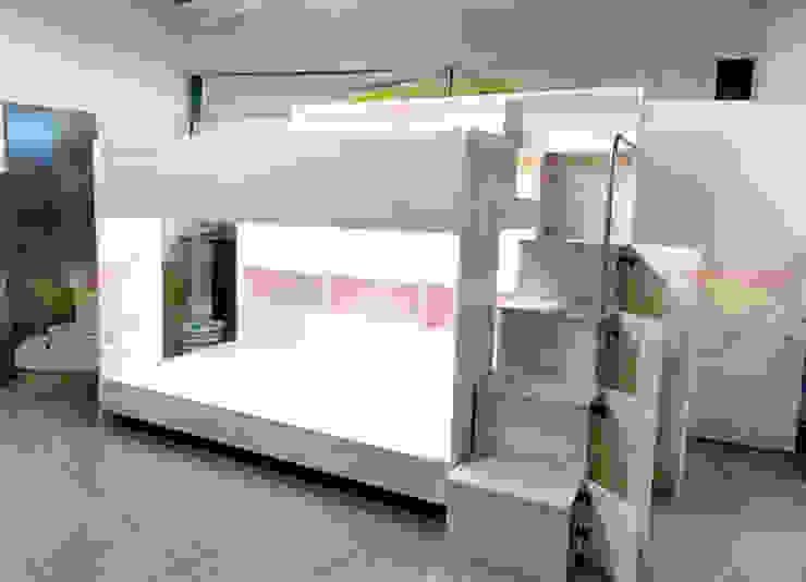 Practica y elegante litera juvenil de camas y literas infantiles kids world Moderno Derivados de madera Transparente