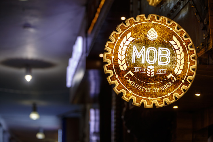 Ministry of Beer, CP Delhi Industrial style bars & clubs by Studio Interiors Infra Height Pvt Ltd Industrial OSB