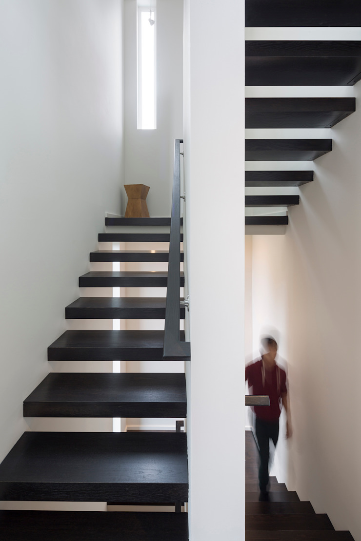 Magnolia House Modern Corridor, Hallway and Staircase by Rerucha Studio Modern