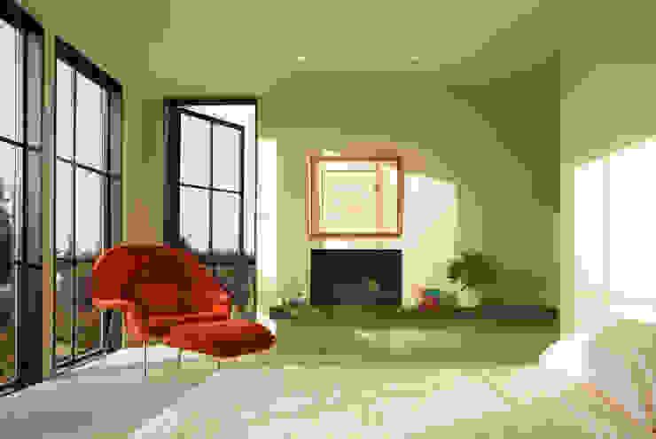 Magnolia House Modern Bedroom by Rerucha Studio Modern