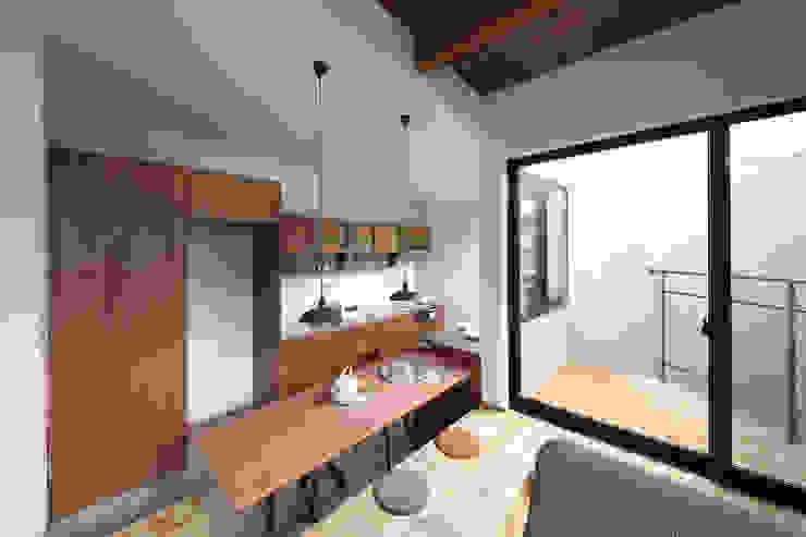 狭小地に建つ家 / zuiun モダンデザインの ダイニング の zuiun建築設計事務所 / 株式会社 ZUIUN モダン