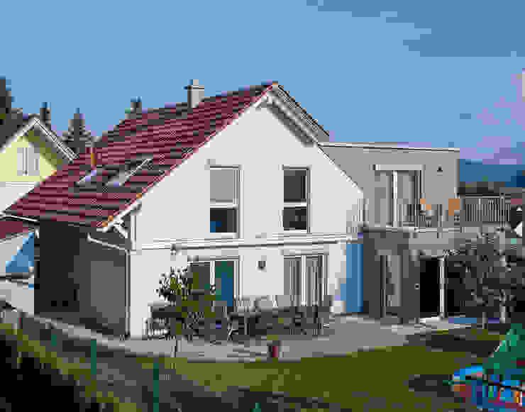 Nhà thép tiền chế by KitzlingerHaus GmbH & Co. KG