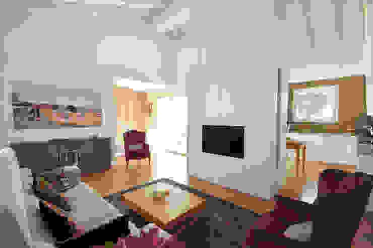 Гостиная в стиле модерн от JFD - Juri Favilli Design Модерн Дерево Эффект древесины