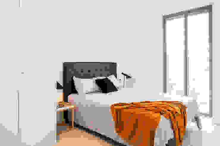Dormitorio principal Dormitorios de estilo moderno de Markham Stagers Moderno