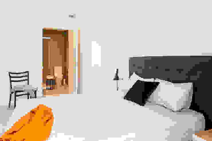 Dormitorio principal ensuite Dormitorios de estilo moderno de Markham Stagers Moderno