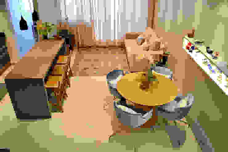 Casa da Fotografa Salas de estar modernas por BRITA ARQUITETURA Moderno Madeira Efeito de madeira
