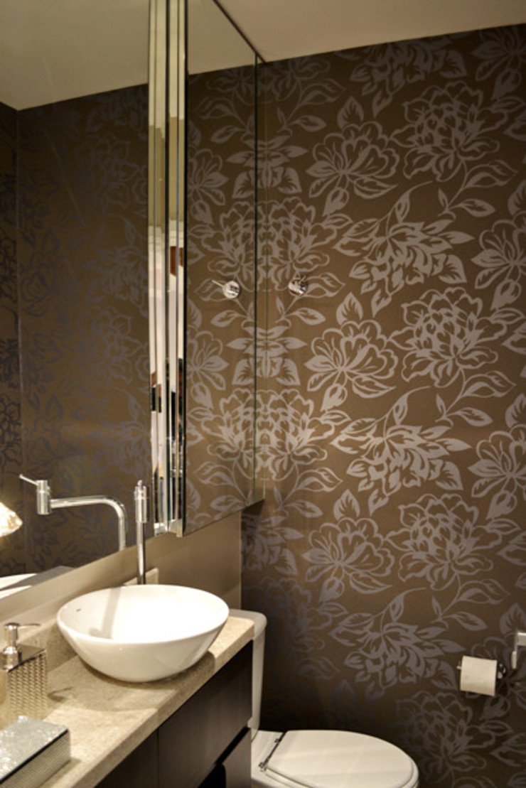 Casa da Fotografa Banheiros modernos por BRITA ARQUITETURA Moderno Granito