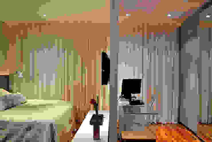 Casa da Fotografa Quartos modernos por BRITA ARQUITETURA Moderno Madeira Efeito de madeira