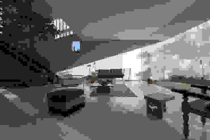 GERIRA ARCHITECTS Living room
