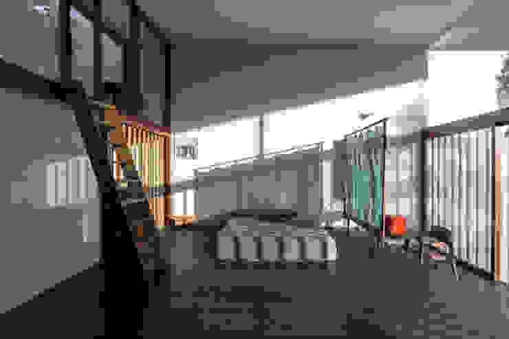 GERIRA ARCHITECTS Minimalist bedroom