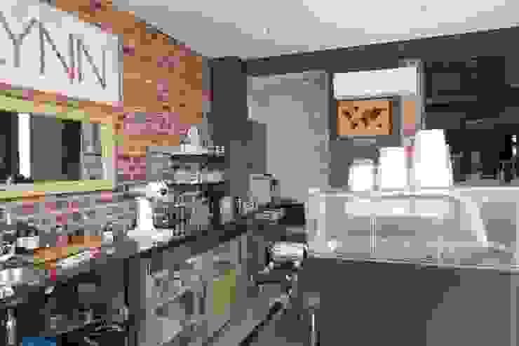 Flynn Coffee Shop—Kramerville by Vashco Pty Ltd