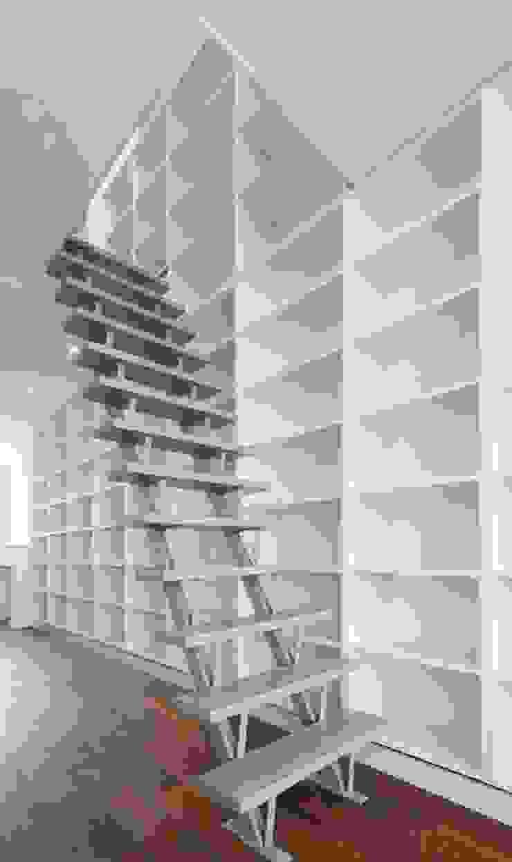 various interior projects Minimalistische woonkamers van Lozinski Architecten Minimalistisch