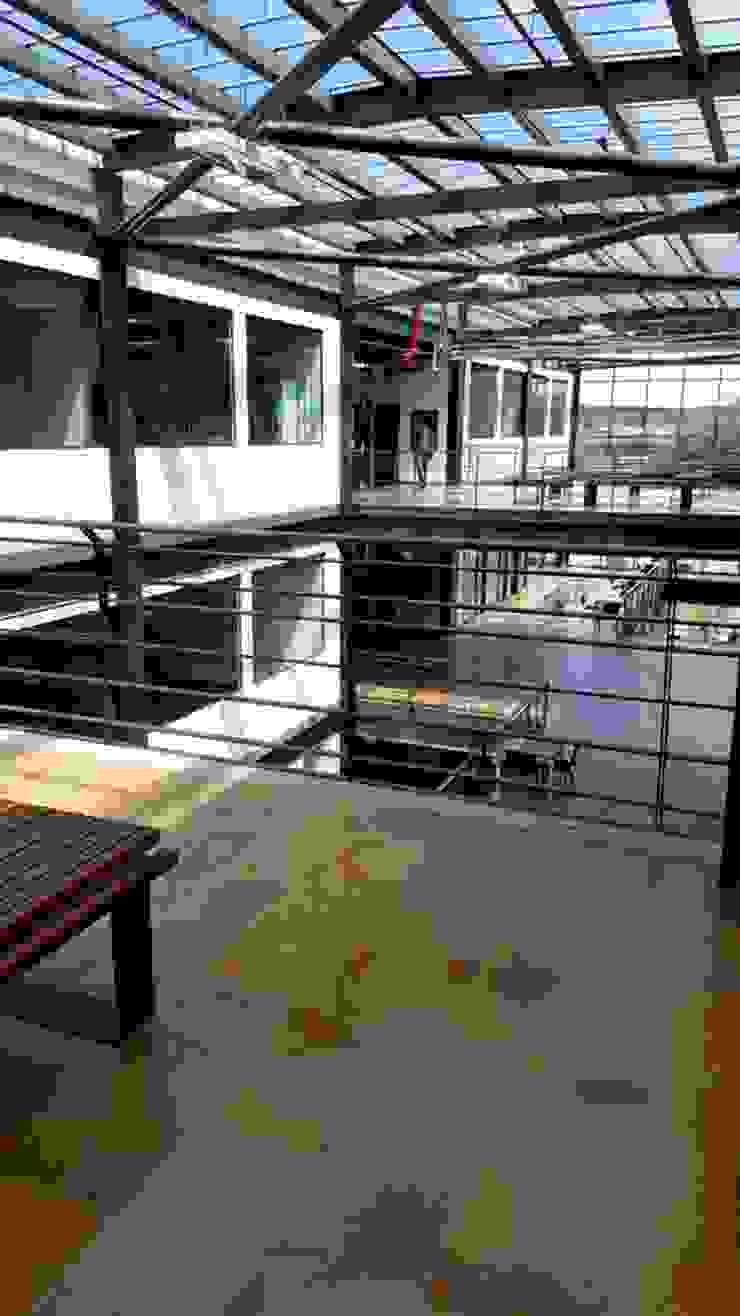 Escuela de Ingenieros de Ingenieria En Diseño Arquitectónico Moderno