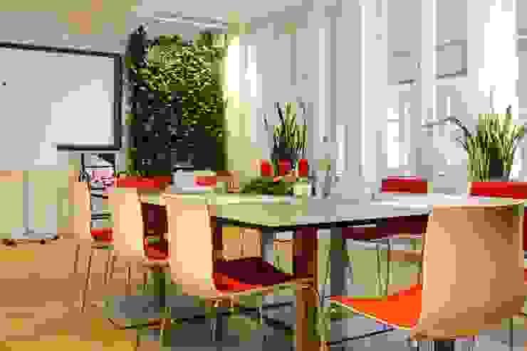 Pflanzenwände, Vertikalbegrünung Modern study/office by Kremkau Raumbegruenung Modern