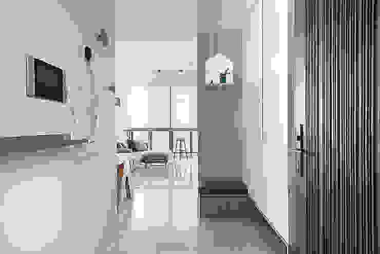 午後時光~純淨北歐 斯堪的納維亞風格的走廊,走廊和樓梯 根據 倍果設計有限公司 北歐風