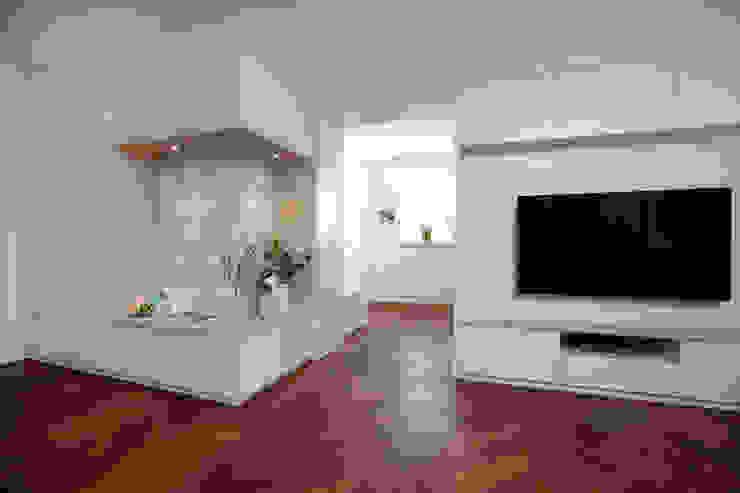 Wohn-/Essbereich Moderne Wohnzimmer von SIMONE JÜSCHKE INNEN|ARCHITEKTUR Modern Holz Holznachbildung