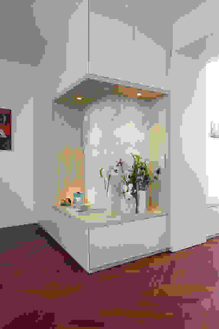 Wohnung Frankfurt: modern  von SIMONE JÜSCHKE INNEN|ARCHITEKTUR,Modern Holz Holznachbildung