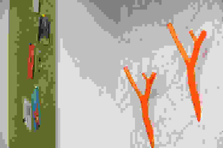 Garderoibenhaken: modern  von SIMONE JÜSCHKE INNEN|ARCHITEKTUR,Modern Holzwerkstoff Transparent