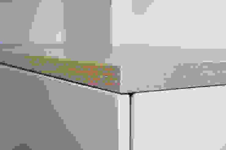 Sitzbankdetail: modern  von SIMONE JÜSCHKE INNEN|ARCHITEKTUR,Modern Holz Holznachbildung