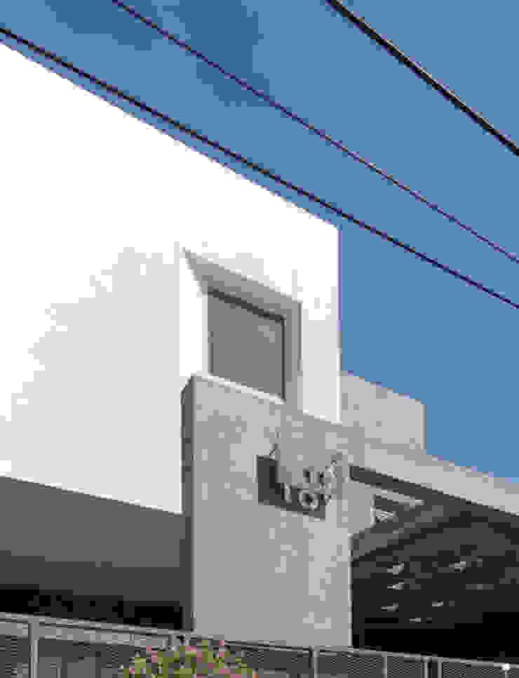 Detail Eksterior Oleh CV Andyrahman Architect
