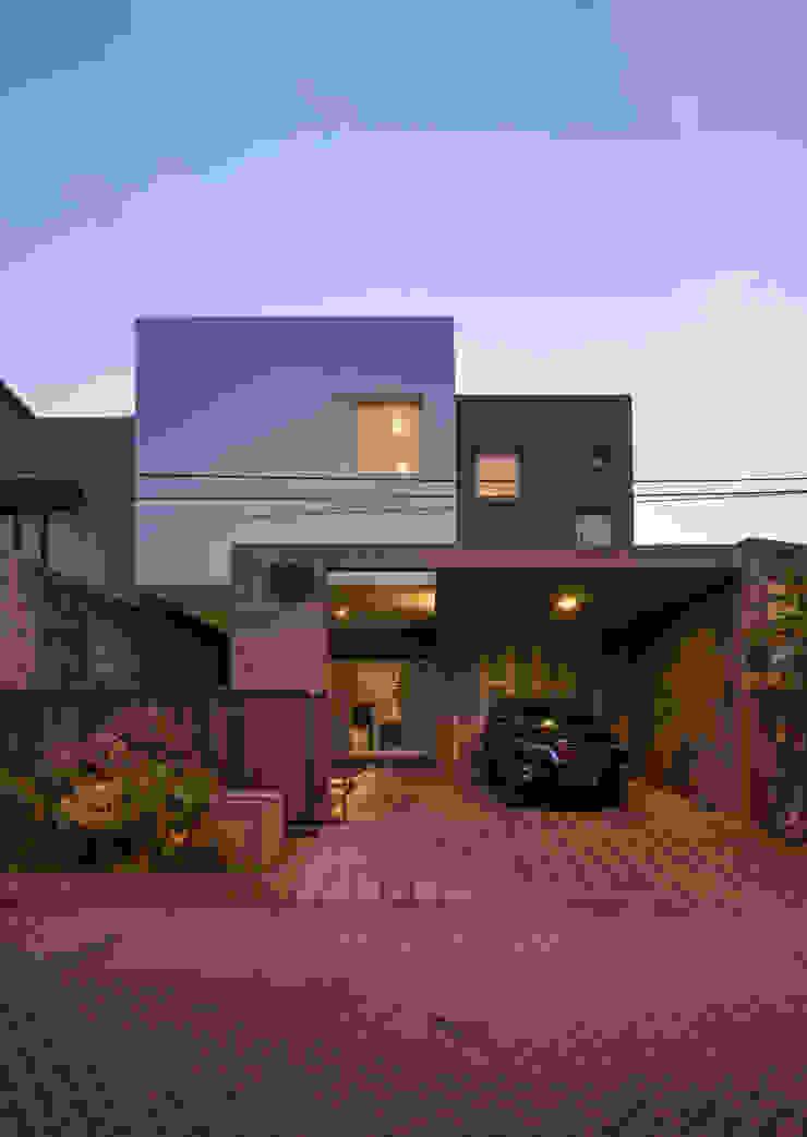 Eksterior Malam Oleh CV Andyrahman Architect