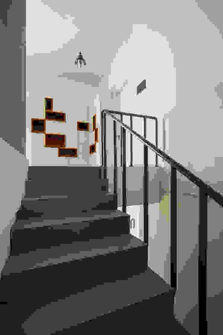 Area Tangga Oleh CV Andyrahman Architect
