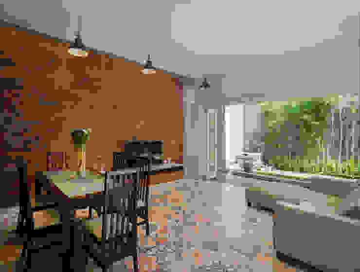 Ruang Keluarga & Ruang Makan View 2 Oleh CV Andyrahman Architect