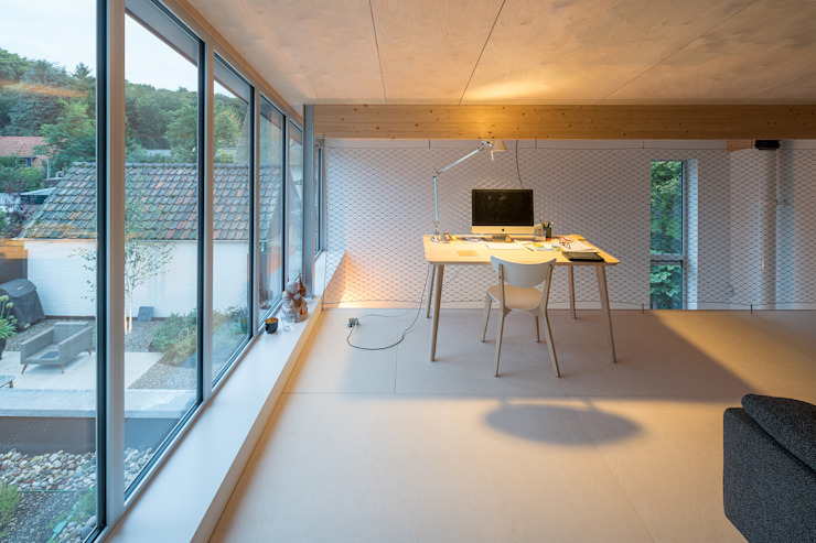 Patio House Minimalistische studeerkamer van Bloot Architecture Minimalistisch Multiplex