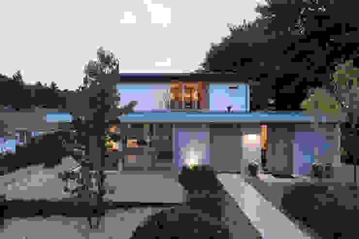 Front doors oak van Bloot Architecture Minimalistisch Hout Hout