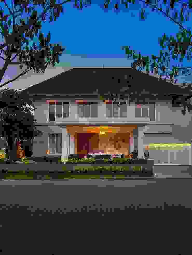Cajuputi House Rumah Gaya Eklektik Oleh EIGHT IDEA Eklektik