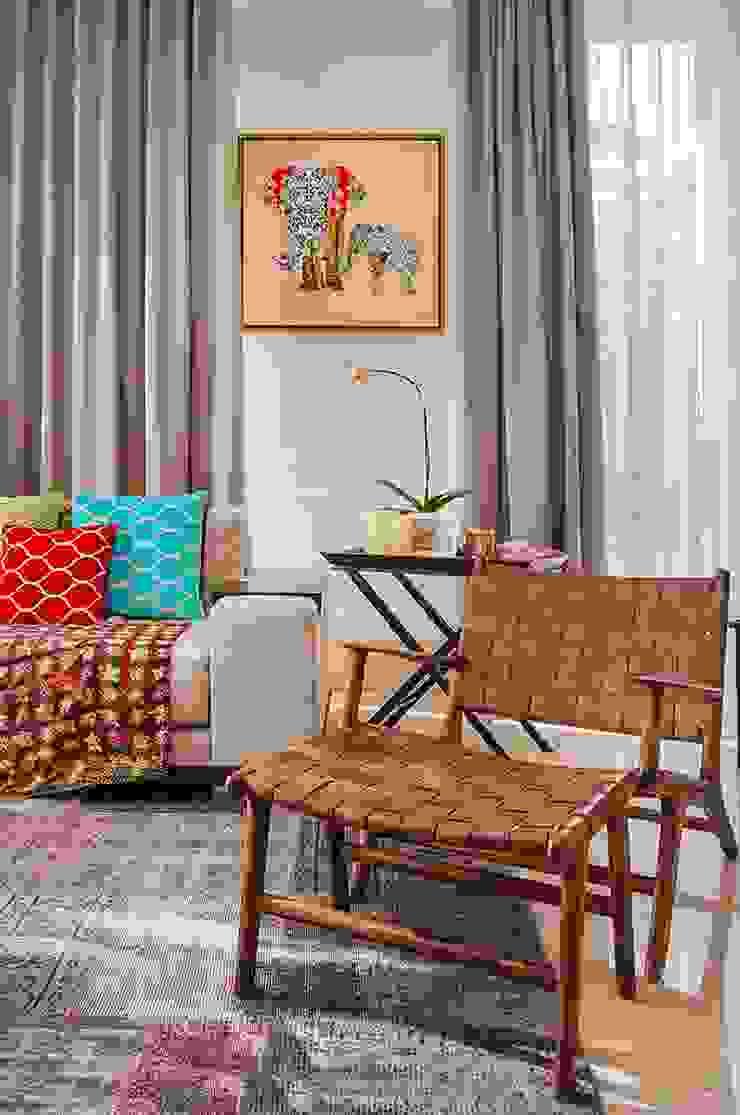 Salas de estar ecléticas por EIGHT IDEA Eclético