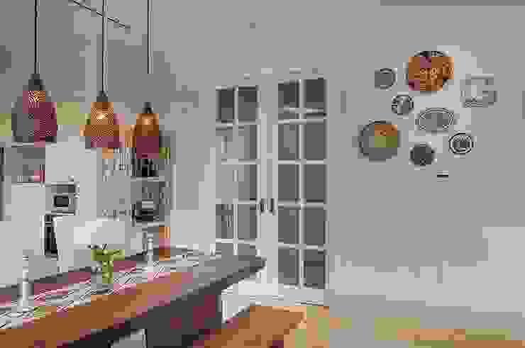 Cajuputi House Ruang Makan Gaya Eklektik Oleh EIGHT IDEA Eklektik