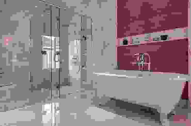 Banheiros ecléticos por EIGHT IDEA Eclético
