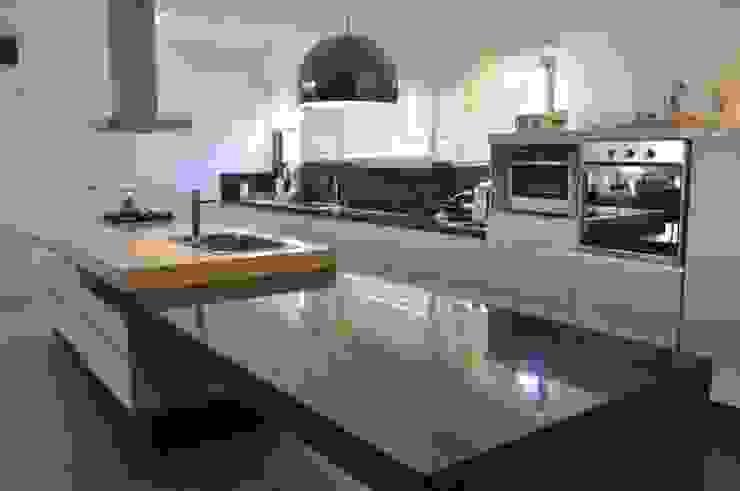 CASA BE Cocinas modernas: Ideas, imágenes y decoración de PARAMENTO Moderno