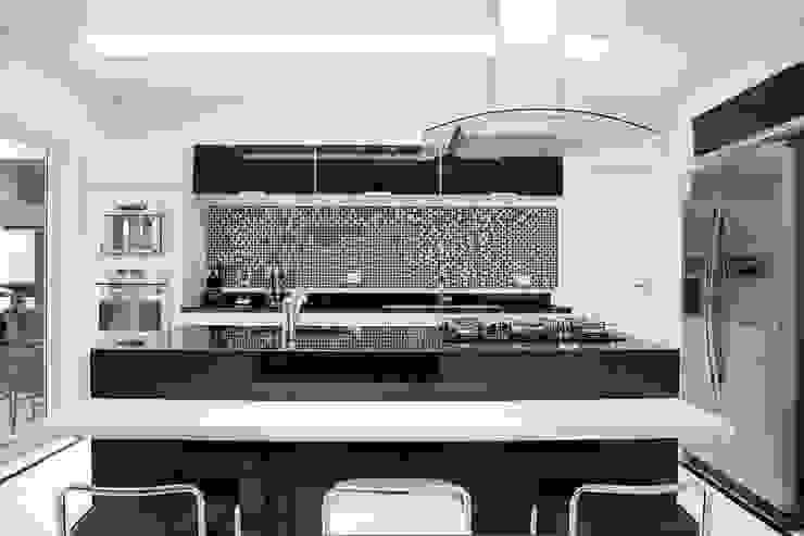 Cozinha: Cozinhas  por MONICA SPADA DURANTE ARQUITETURA,Moderno