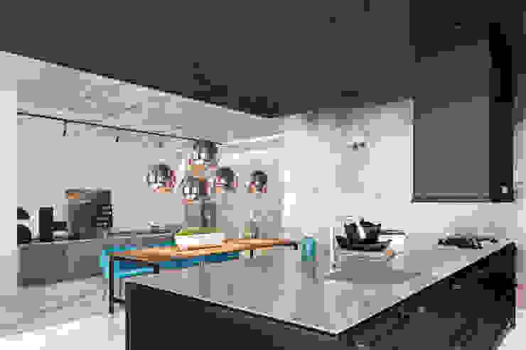 Дизайн кухни Zooi Кухонные блоки