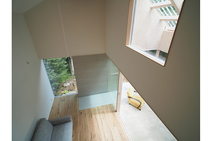 桑原茂建築設計事務所 / Shigeru Kuwahara Architects Living room Wood White