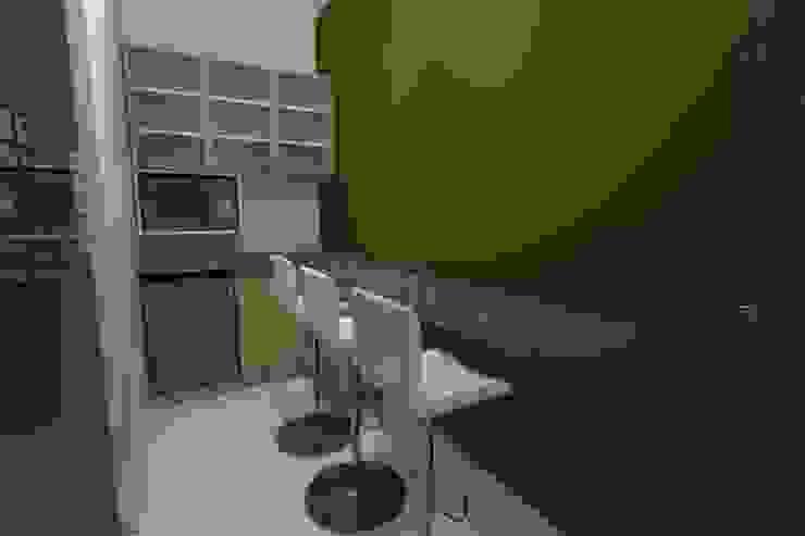Diseño Oficina Comercial de B+ Studio Minimalista
