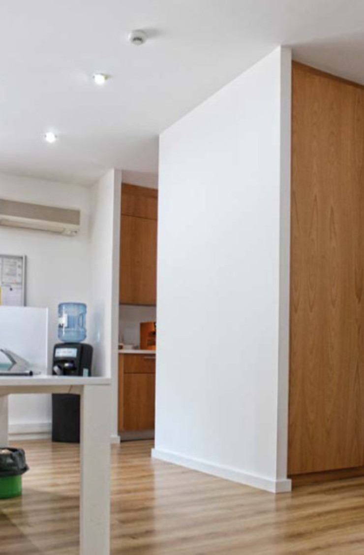 Escritórios Trevo e Oriana Modern Study Room and Home Office by Grupo Norma Modern